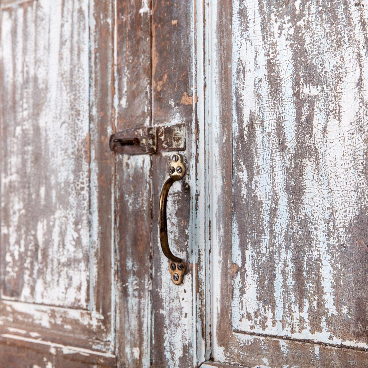 Diepe-houten-kast-4-deuren-lichtblauwbruin-11