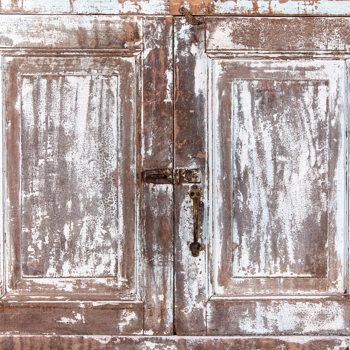 Diepe-houten-kast-4-deuren-lichtblauwbruin-12