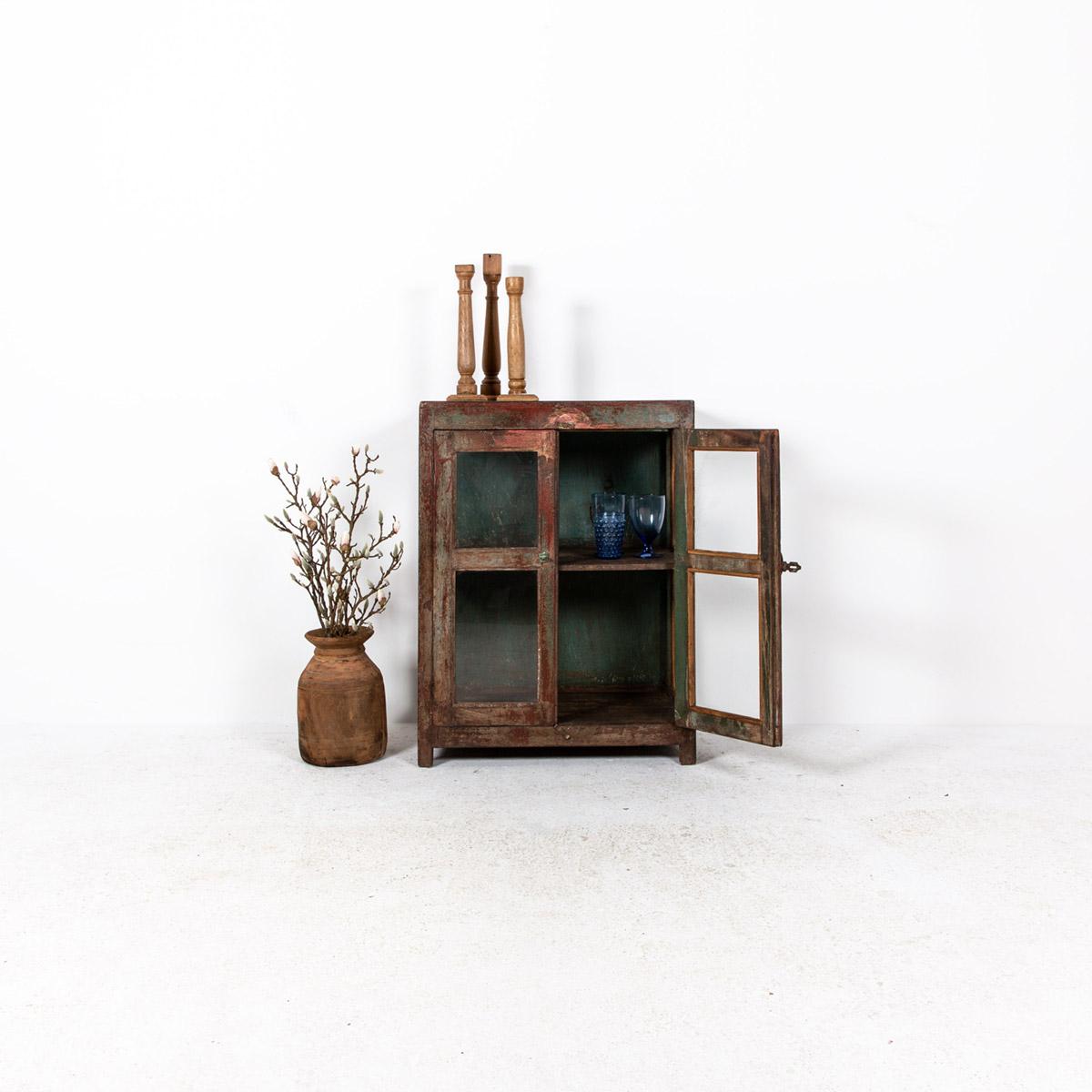 Glazen-kastje-2-deuren-bruinrood-2