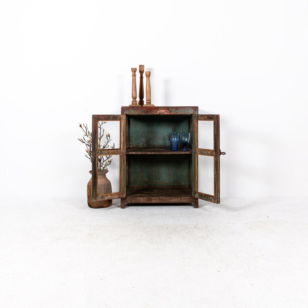 Glazen-kastje-2-deuren-bruinrood-3