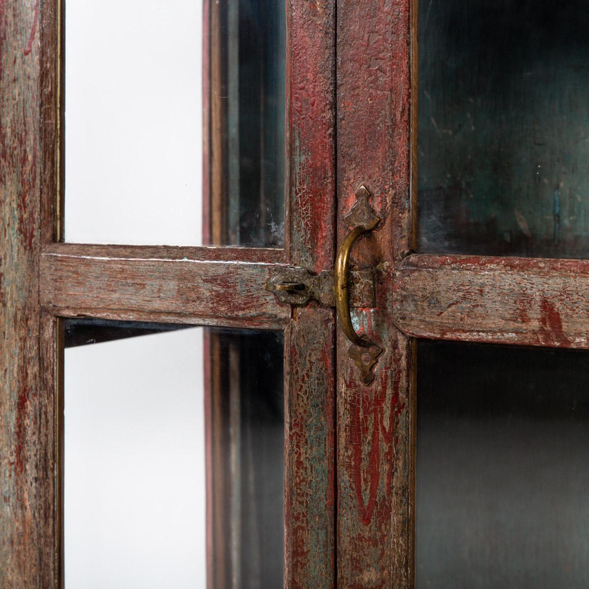Glazen-kastje-2-deuren-bruinrood-9