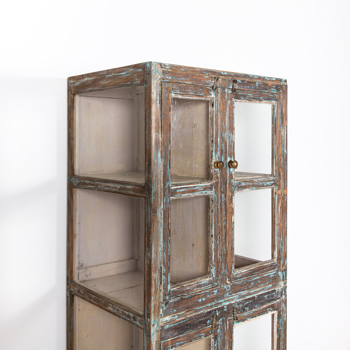 Hoge-glazen-kast-4-deuren-bruinblauw-7