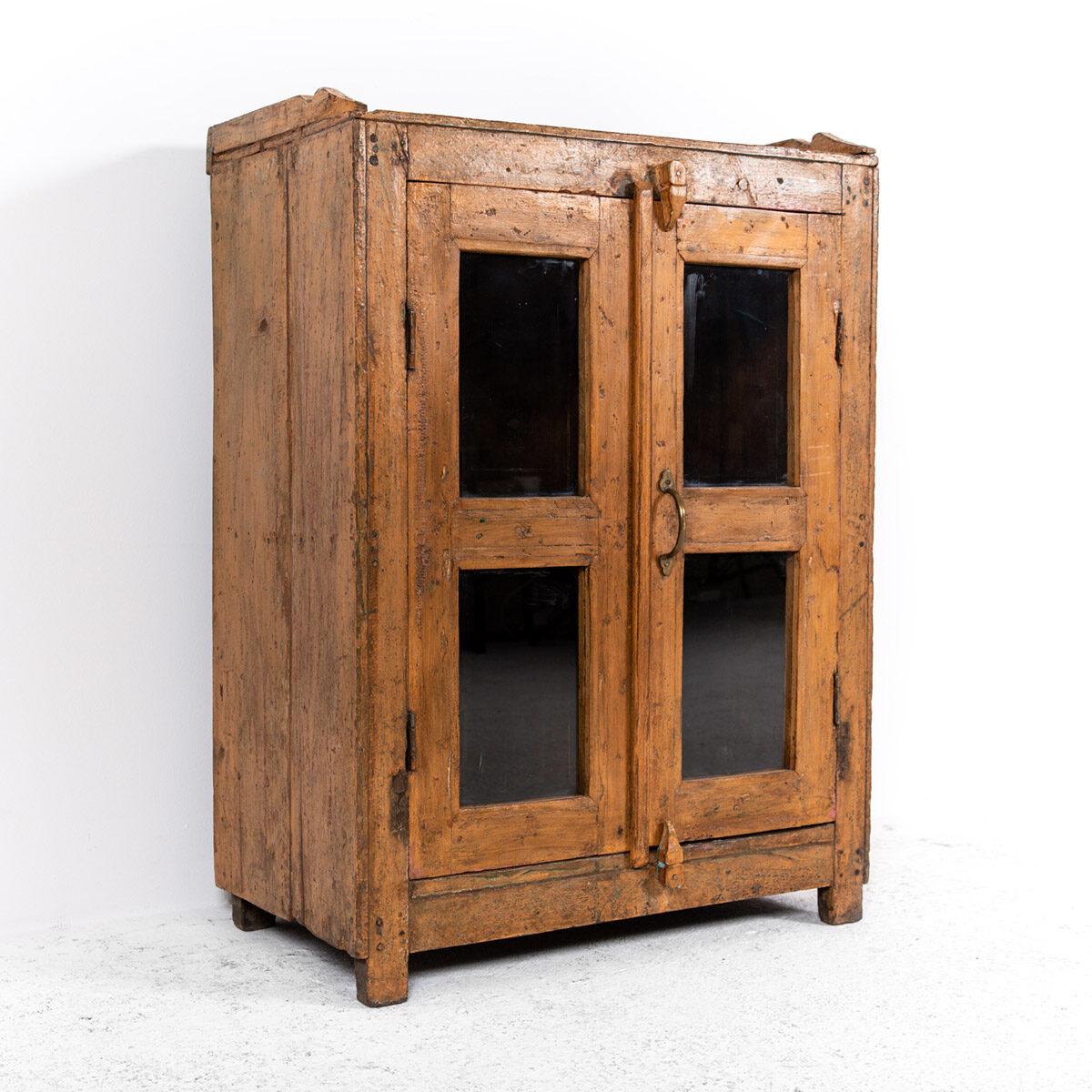 Houten-kastje-2-deuren-7