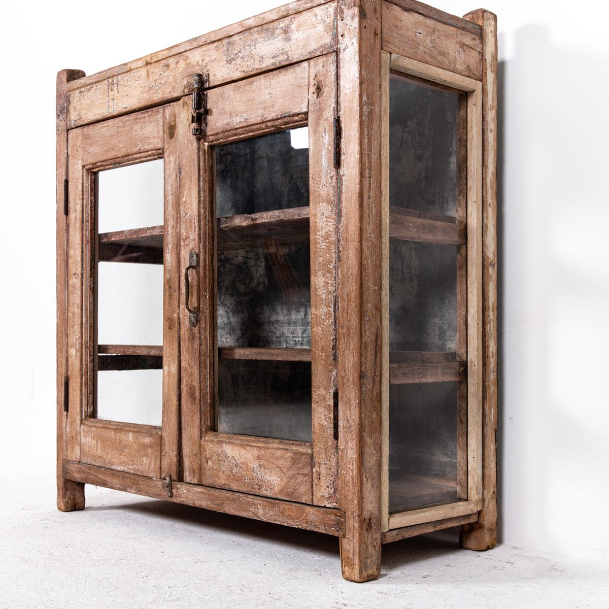 Lage-oude-glazen-kast-2-deuren-bruin-10