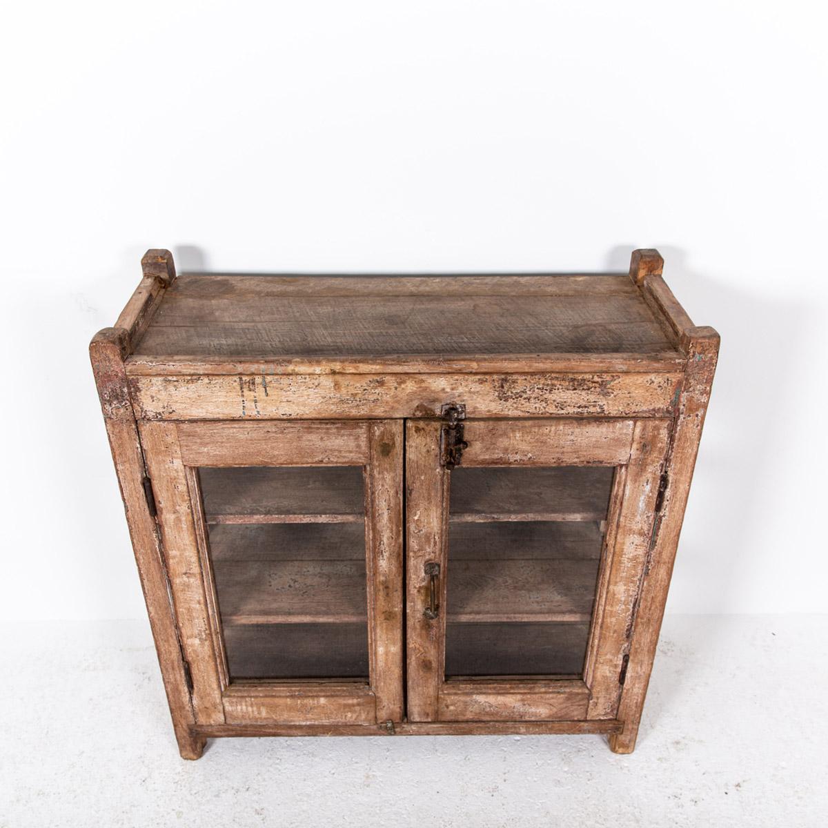 Lage-oude-glazen-kast-2-deuren-bruin-11