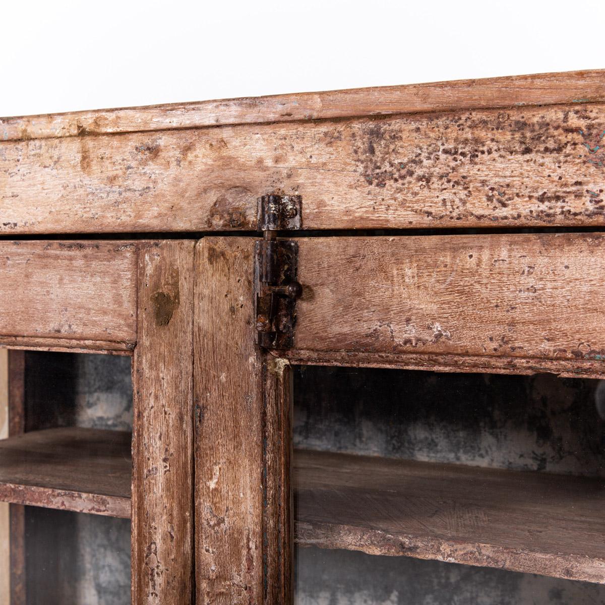 Lage-oude-glazen-kast-2-deuren-bruin-9