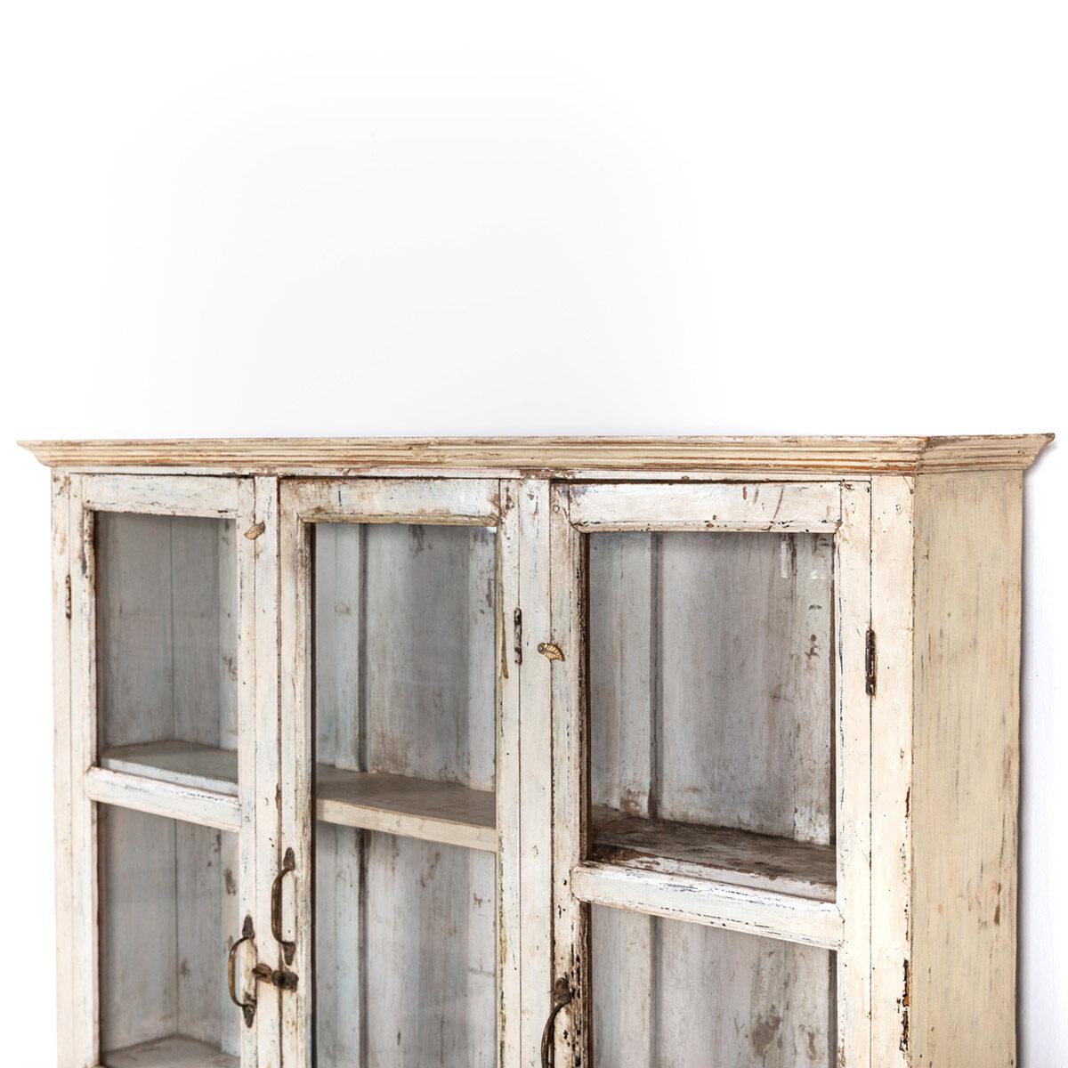 Ondiepe-vitrinekast-3-deuren-1-lade-11