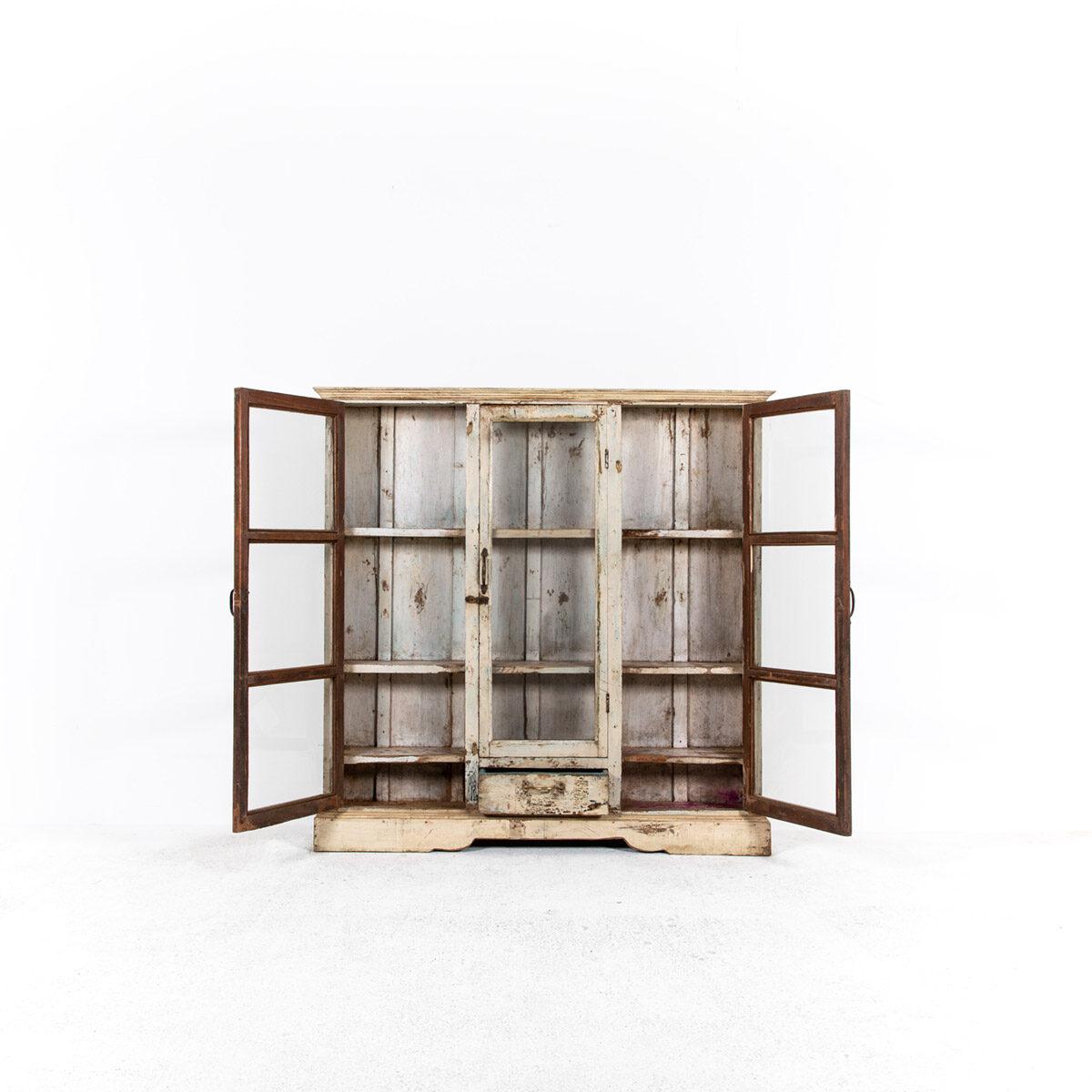 Ondiepe-vitrinekast-3-deuren-1-lade-6