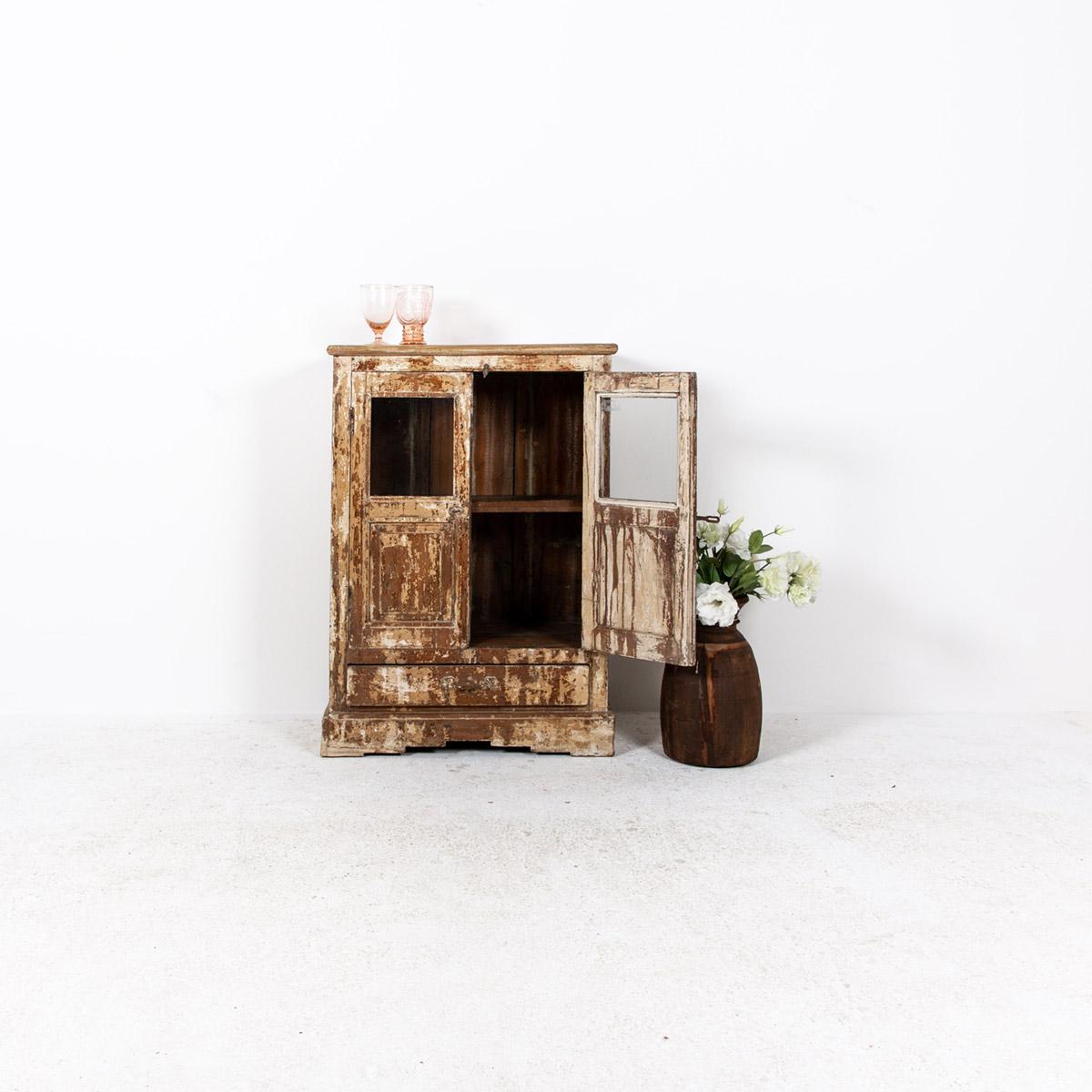 Oud-kastje-2-deuren-1-lade-bruingeel-2