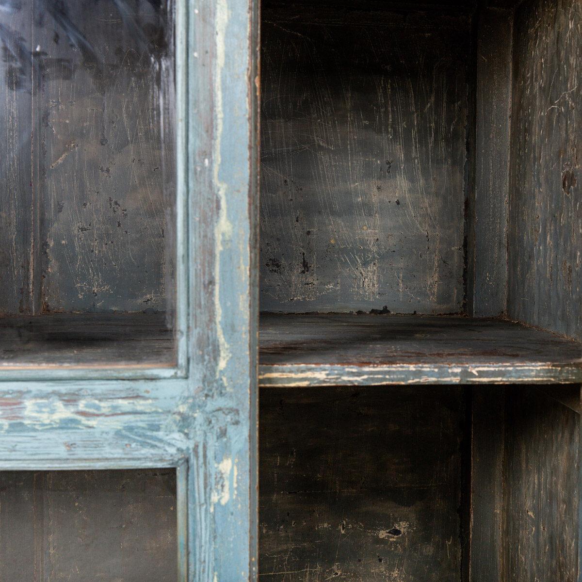 Oude-diepe-kast-blauw-11