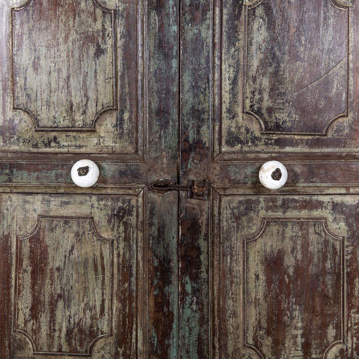 Oude-hoge-kast-2-deuren-groen-9