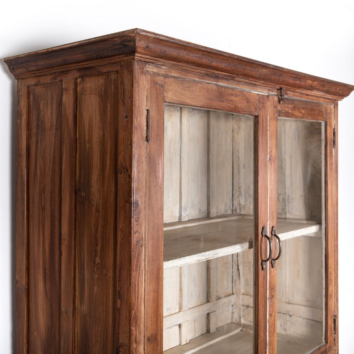 Oude-houten-vitrinekast-bruin-11