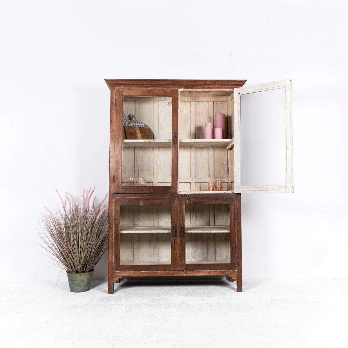 Oude-houten-vitrinekast-bruin-2