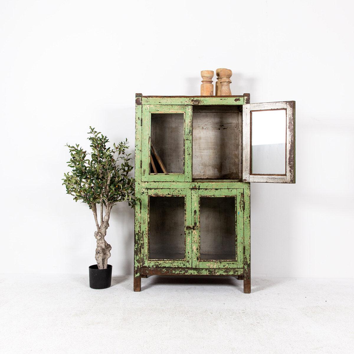 Oude-kast-4-deuren-groen-2