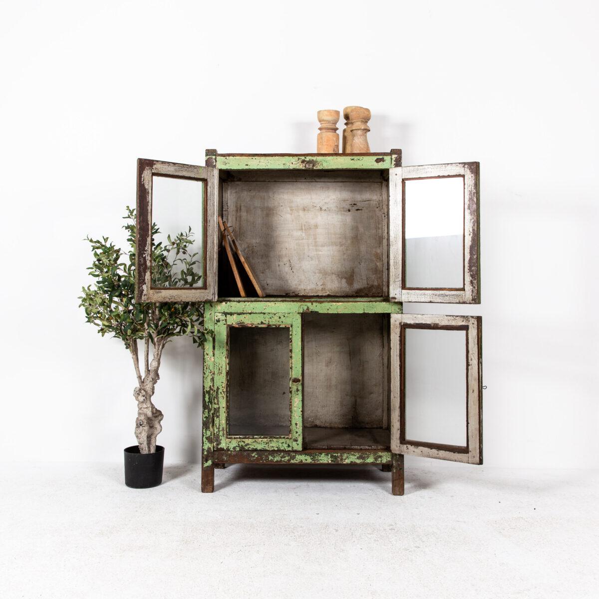 Oude-kast-4-deuren-groen-4