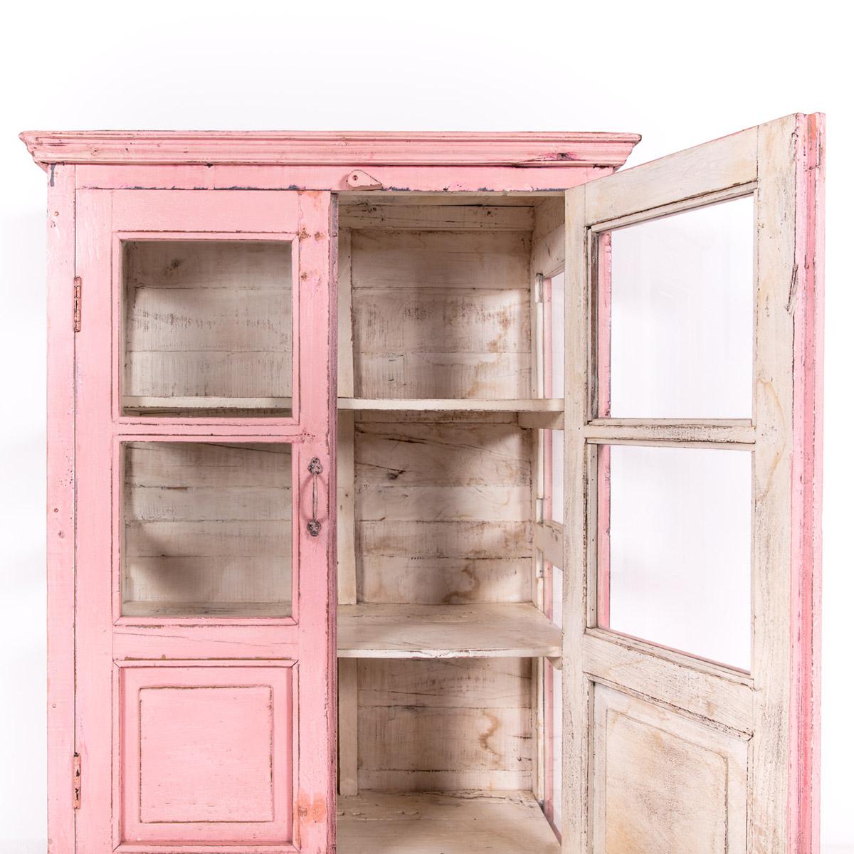 Roze-vitrinekast-2-glazen-deuren-11