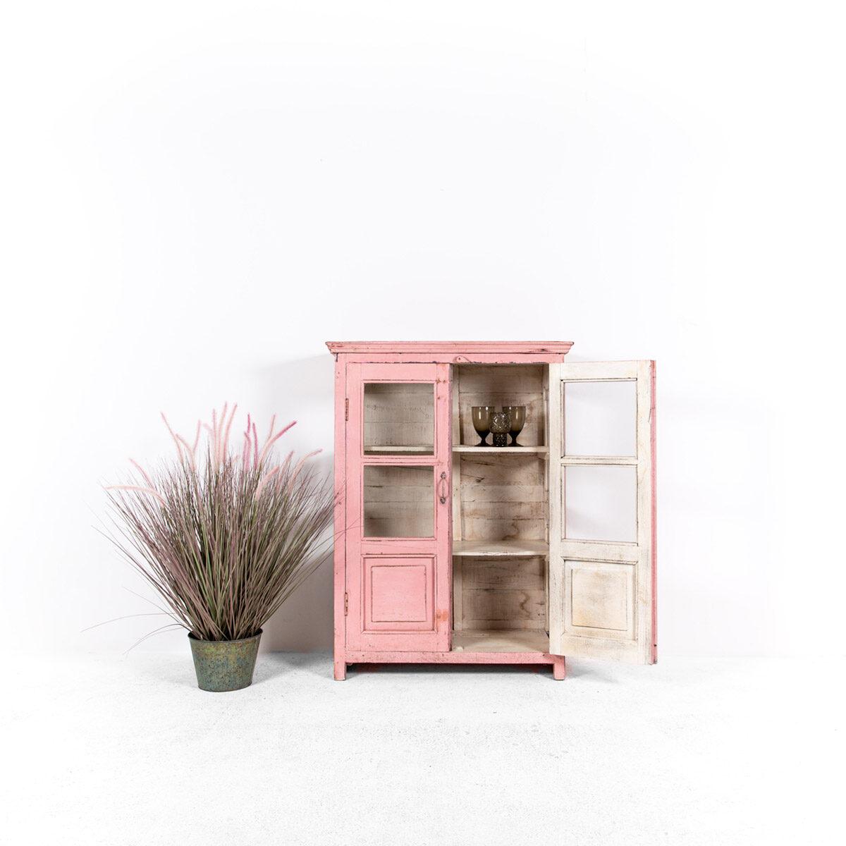 Roze-vitrinekast-2-glazen-deuren-2