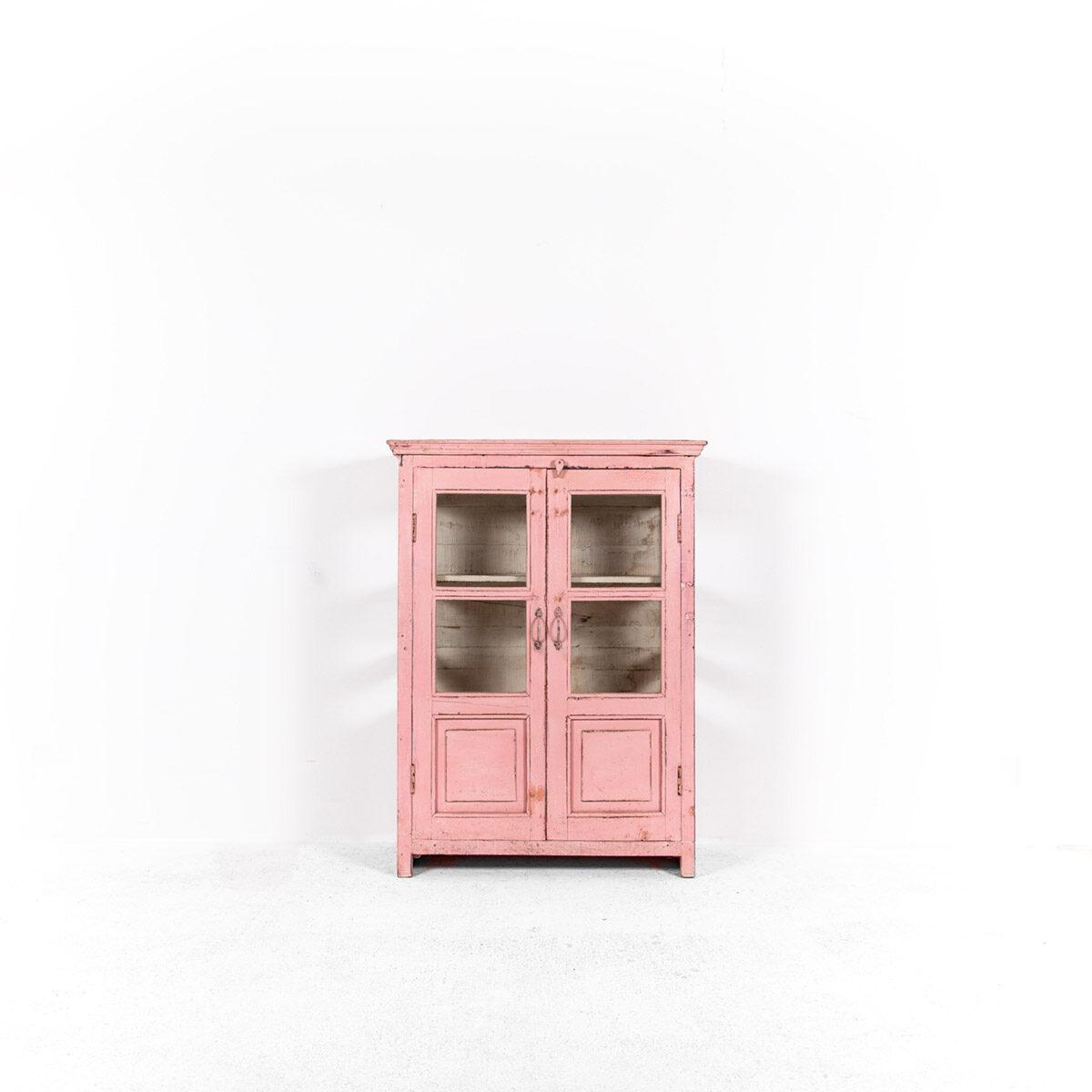 Roze-vitrinekast-2-glazen-deuren-4