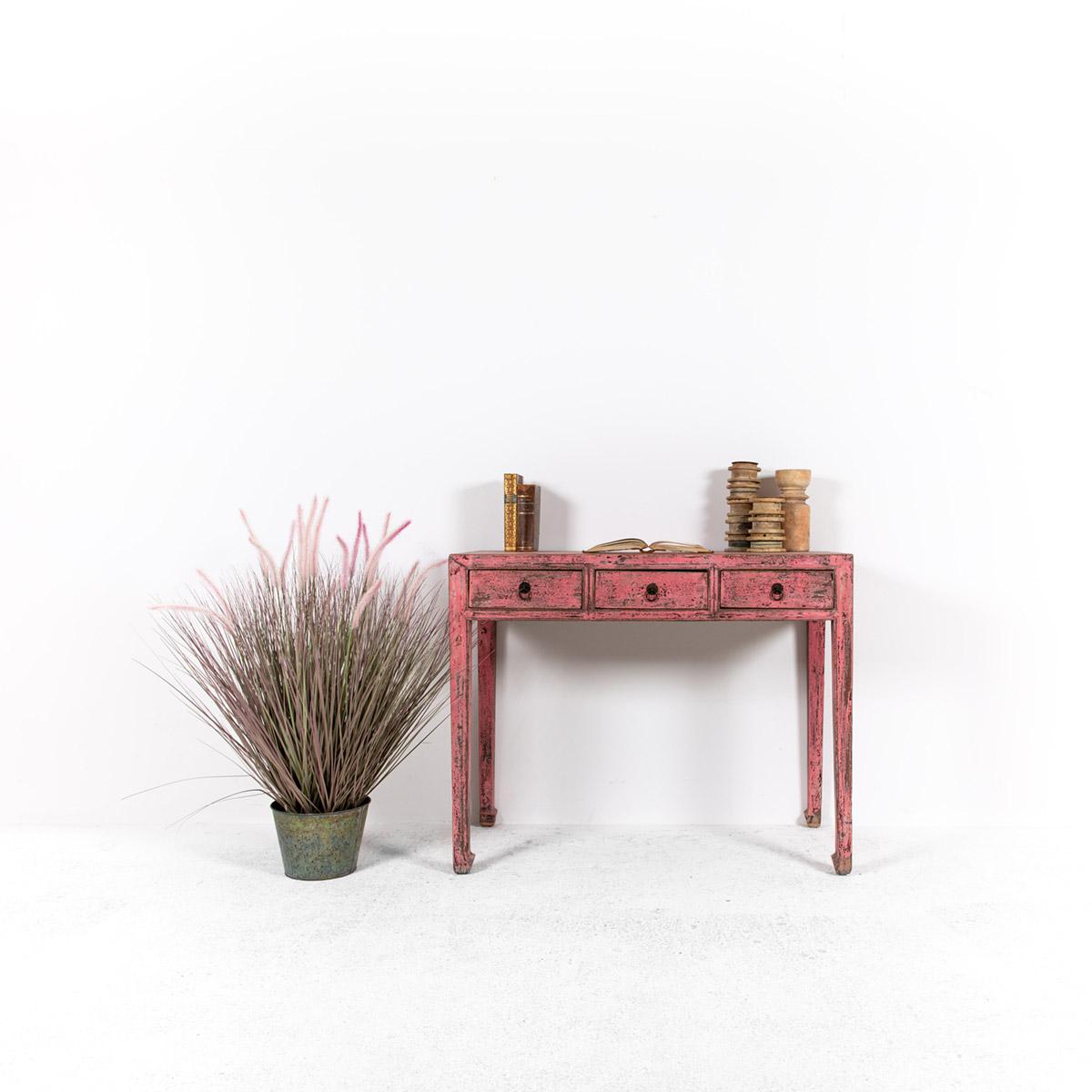Roze-wandtafeldressoir-3-lades-1