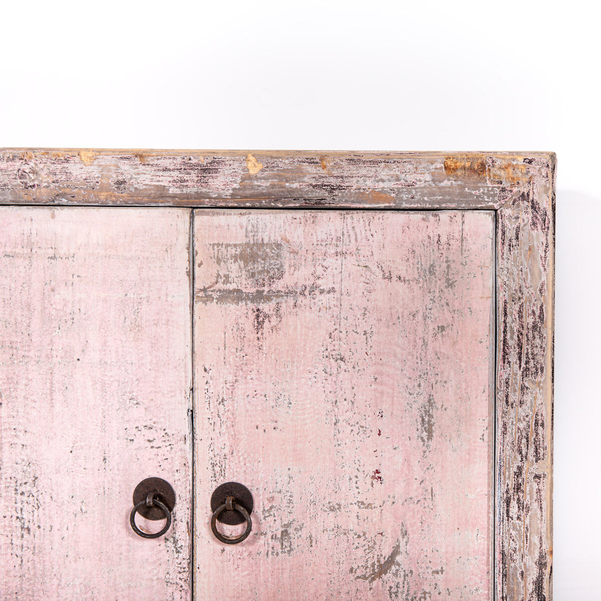Uniek-dressoir-2-deuren-roze-11