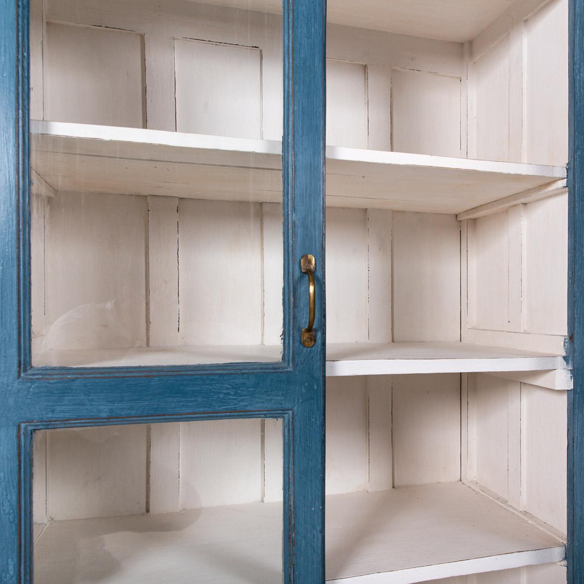 Vitrinekast-2-deuren-blauw-11
