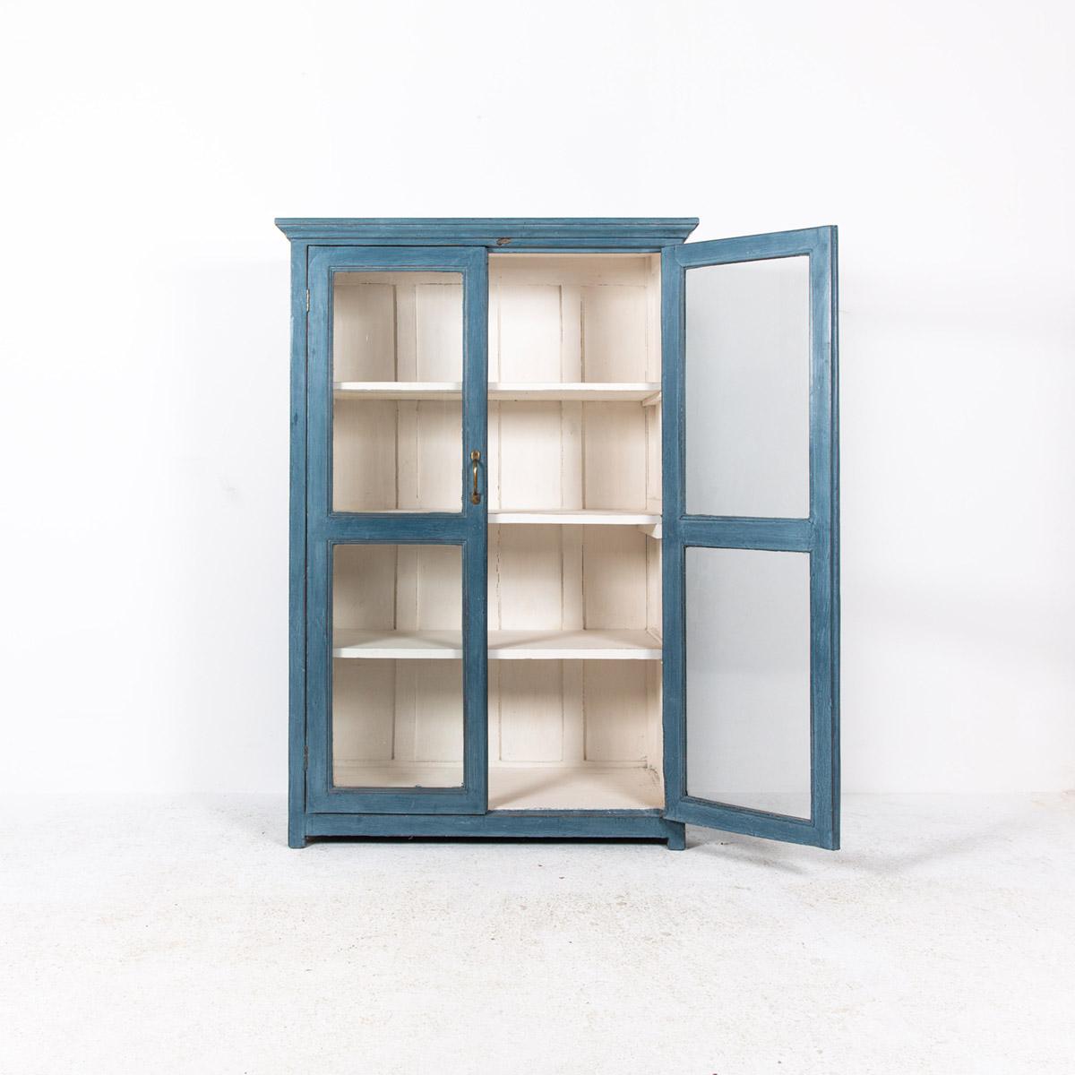 Vitrinekast-2-deuren-blauw-5