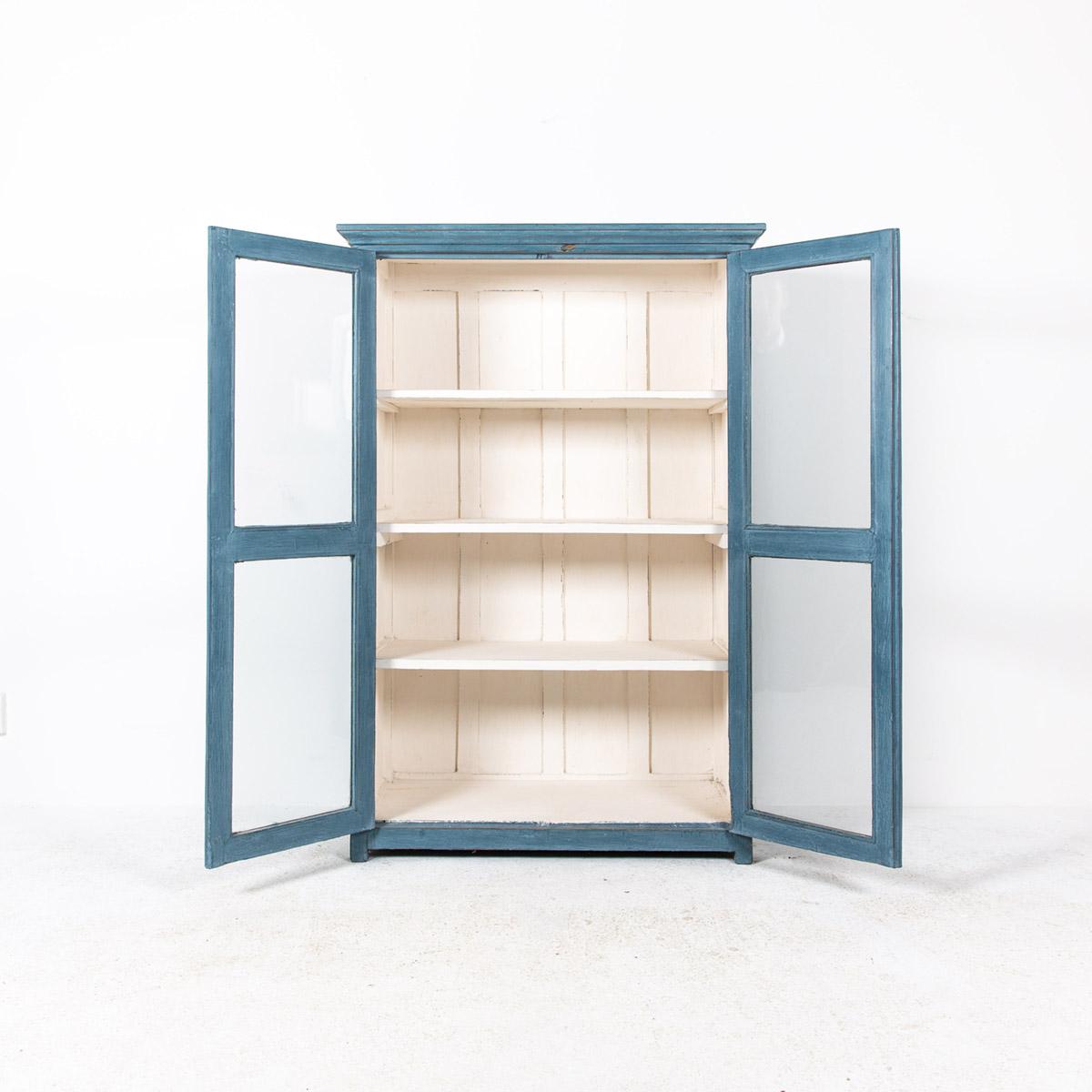 Vitrinekast-2-deuren-blauw-6