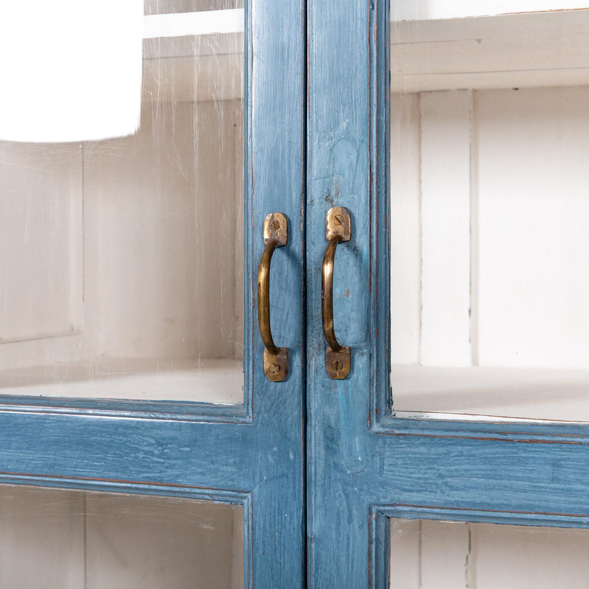 Vitrinekast-2-deuren-blauw-7