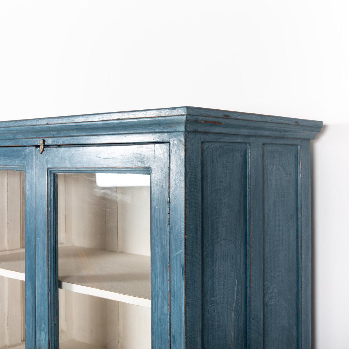 Vitrinekast-2-deuren-blauw-8