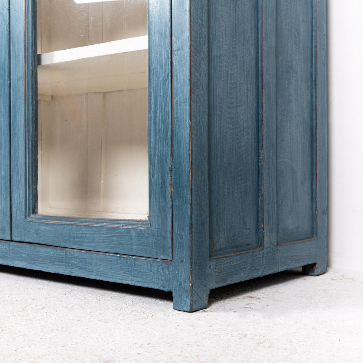 Vitrinekast-2-deuren-blauw-9