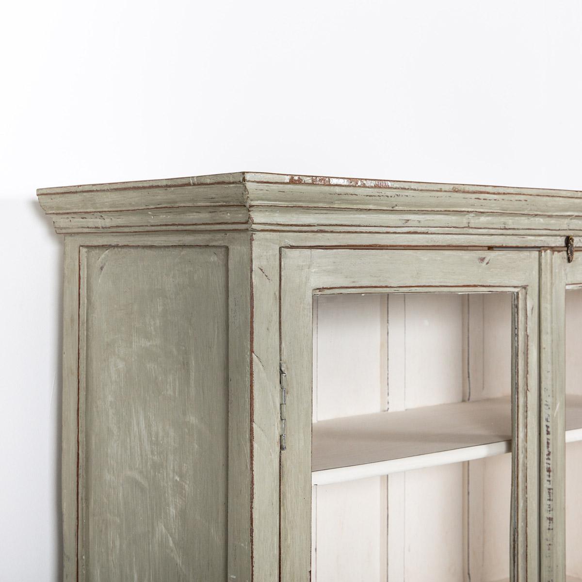 Vitrinekast-2-deuren-oud-grijs-10