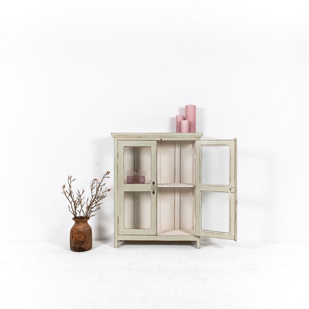 Vitrinekast-2-glazen-deuren-oud-groengrijs-2